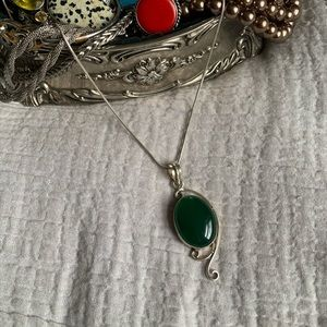 Jewelry - Sterling Silver Emerald Green Pendant Necklace